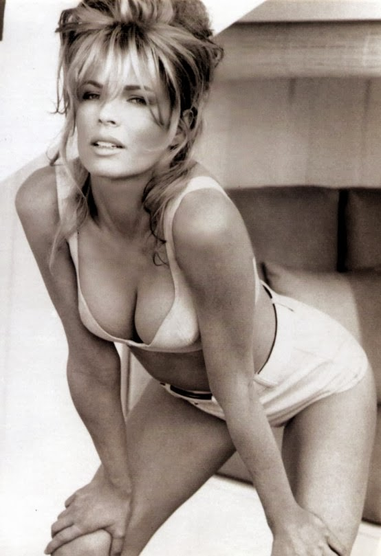 Kim Basinger as always so hot and elegant - Showbiza.com/us
